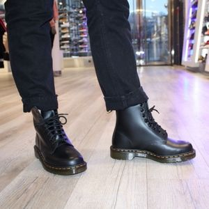 Dr. Martens 1460 8 eye boots mens 12 new